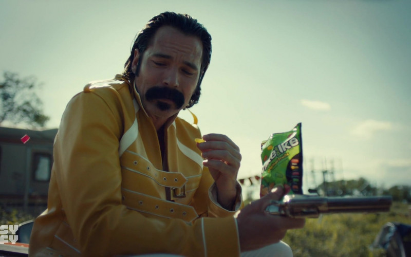 Mike & Ike Candies in Wynonna Earp S04E08 Hell Raisin' Good Time (2021)