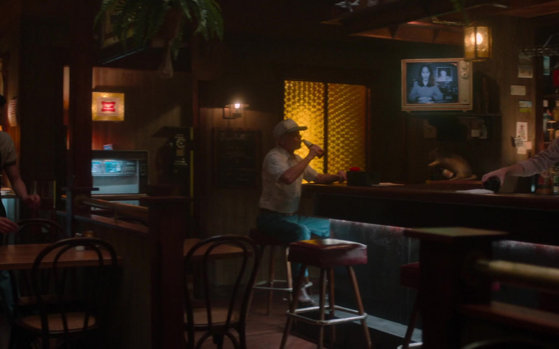 Miller High Life Beer Sign in For All Mankind S02E04 Pathfinder (2021)