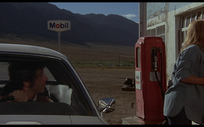 Mobil in Vanishing Point (1971)