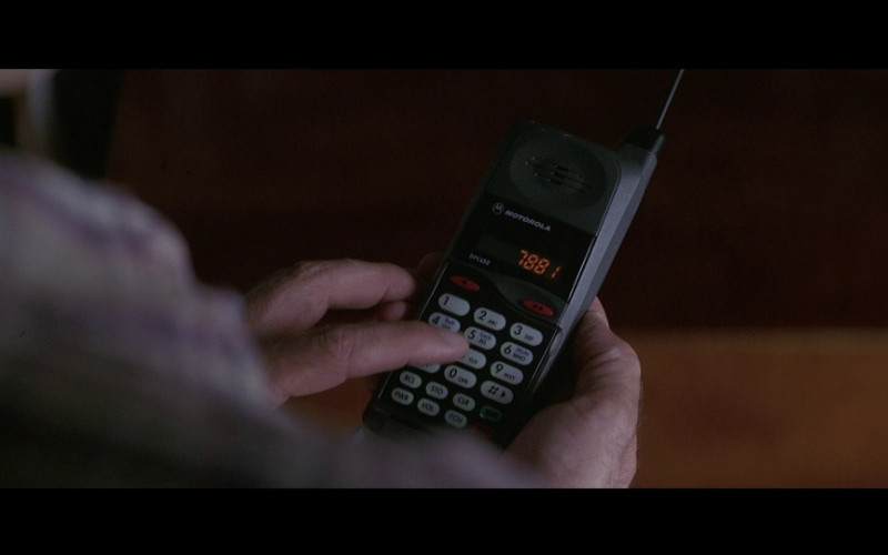 Motorola MicroTAC DPC650 Cell Phone in Mercury Rising (1998)