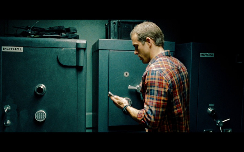 Mutual Safes in Safe House (2012)