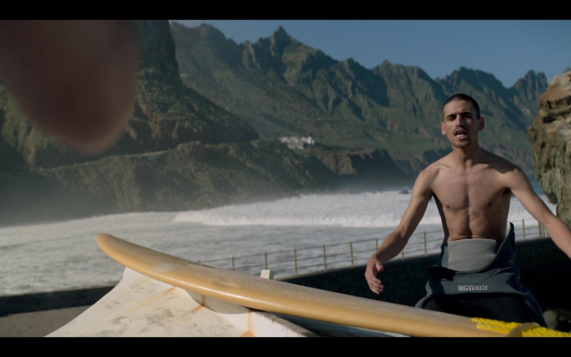 Mystic Men's Wetsuit in The One S01E07 (2021)