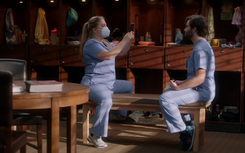 New Balance Men's Shoes Worn by Cast Member in Grey's Anatomy S17E08 (1)