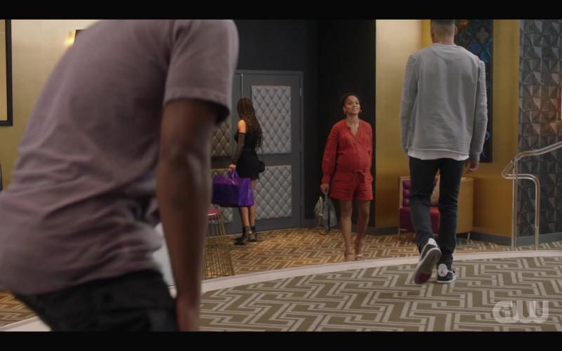 Nike Air Jordan Men's Sneakers of Michael Evans Behling as Jordan Baker in All American S03E07 Roll the Dice (1)