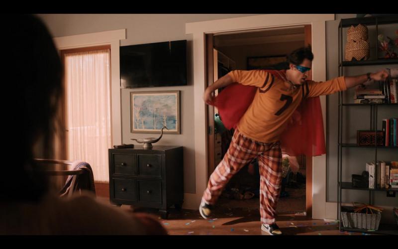 Nike Men's Sneakers of Édgar Ramírez as Carlos Torres in Yes Day (2021)