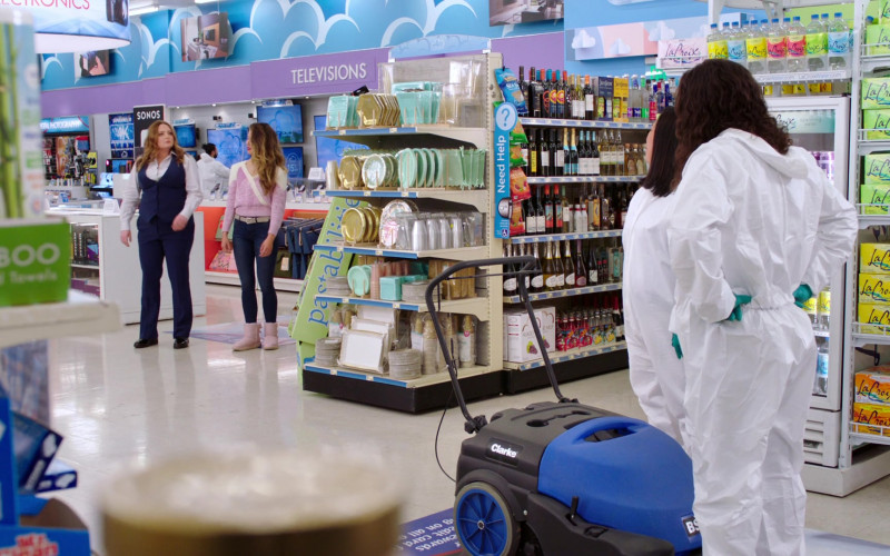 Pastabilities and LaCroix Drinks in Superstore S06E11 Deep Cleaning (2021)