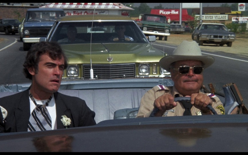 Pizza Hut Restaurant in Smokey and the Bandit (1977)