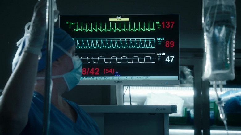 Planar Monitor in The Resident S04E07 (2)