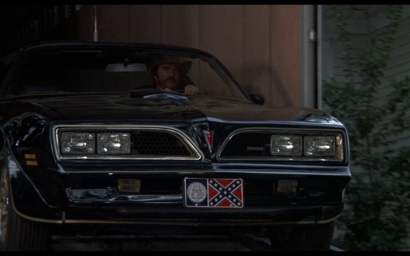 Pontiac Firebird Trans Am Car in Smokey and the Bandit (1)