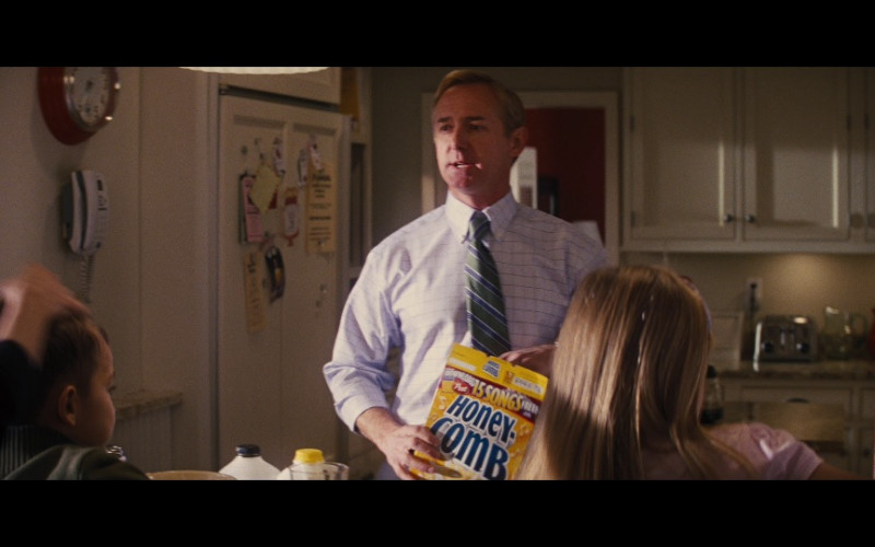 Post Honeycomb Cereals in Jack Reacher (2012)