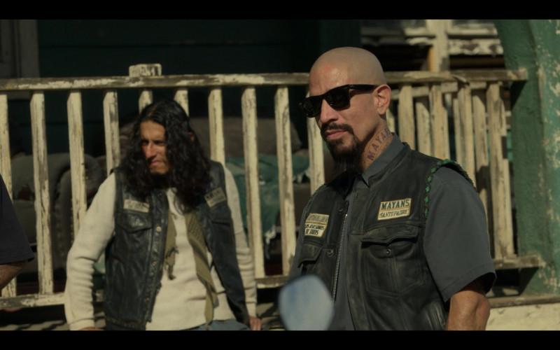 Ray-Ban Wayfarer Men's Sunglasses in Mayans M.C. S03E03 Overreaching Don't Pay (2021)