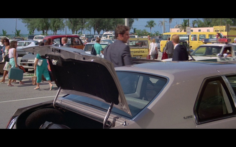 Ryder Truck Rental in Licence To Kill (1989)