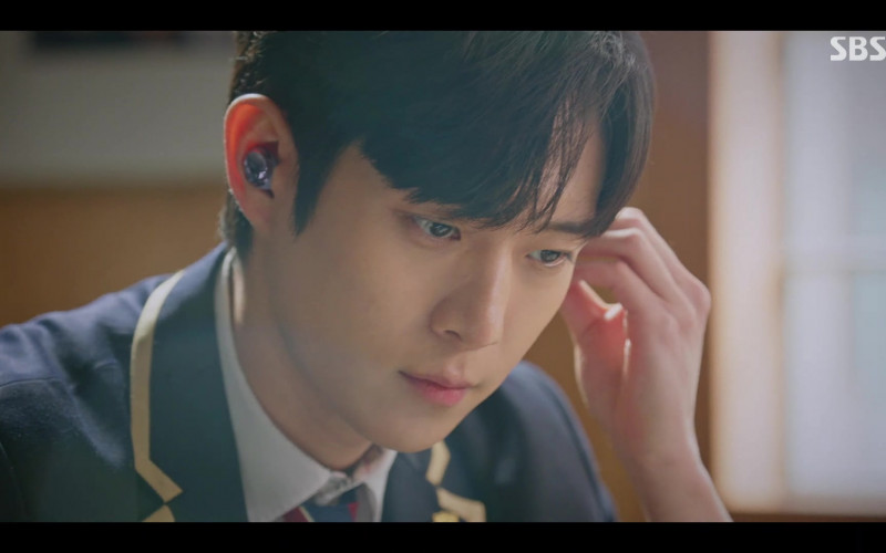 Samsung Galaxy Buds Pro Wireless Earbuds in The Penthouse War in Life S02E08 Korean TV Series (1)