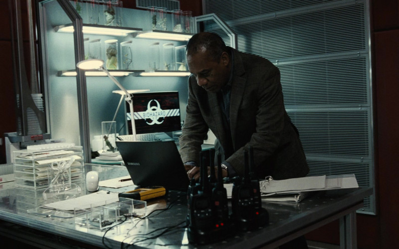 Samsung Notebook of Joe Morton as Silas Stone in Zack Snyder's Justice League (2021)