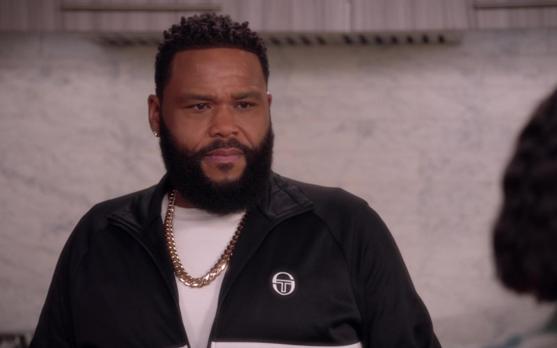 Sergio Tacchini Track Top of Anthony Anderson as Dre in Black-ish S07E14 (1)
