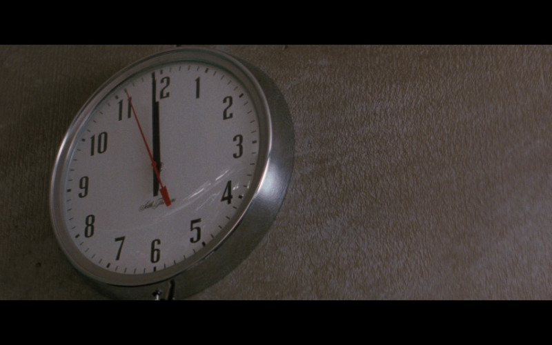 Seth Thomas clock in Passenger 57 (1992)