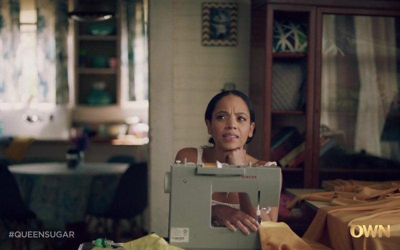 Singer Sewing Machine of Bianca Lawson as Darla in Queen Sugar S05E03 TV Show (1)