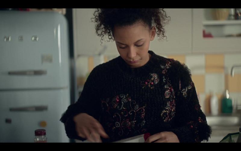 Smeg Refrigerator in The One S01E04 TV Show (1)