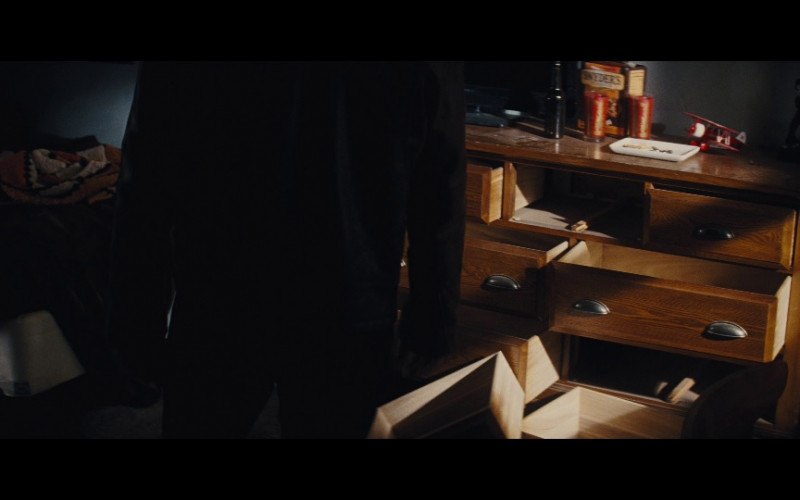 Snyder's of Hanover Pretzels in Jack Reacher (2012)