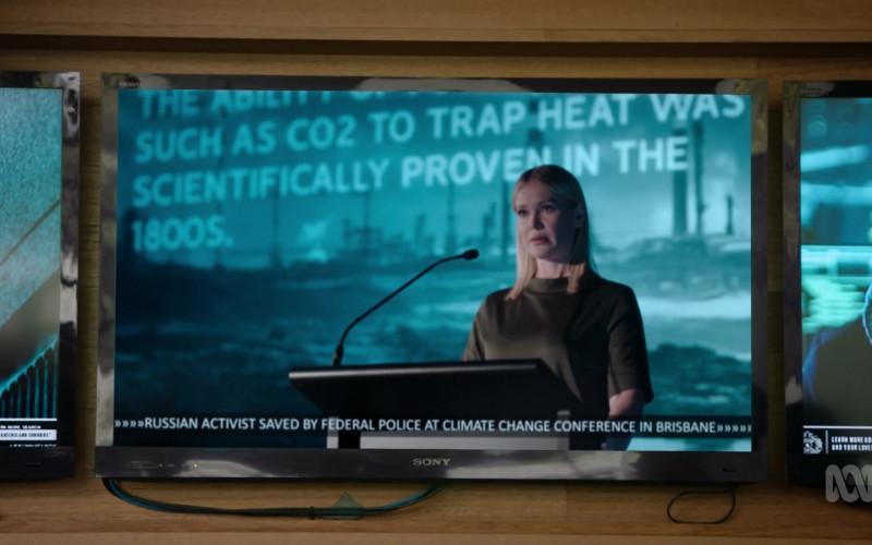Sony Bravia Television in Harrow S03E07 Sola Dosis Facit Venemum (2021)