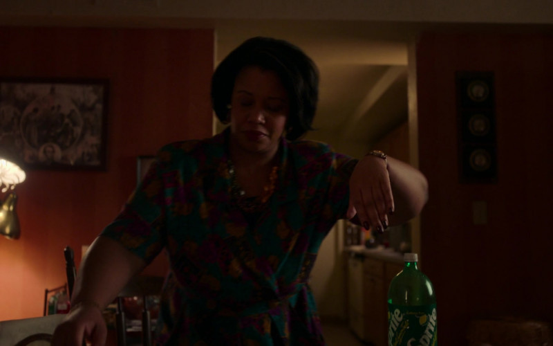 Sprite Beverage in City on a Hill S02E01 TV Show (1)