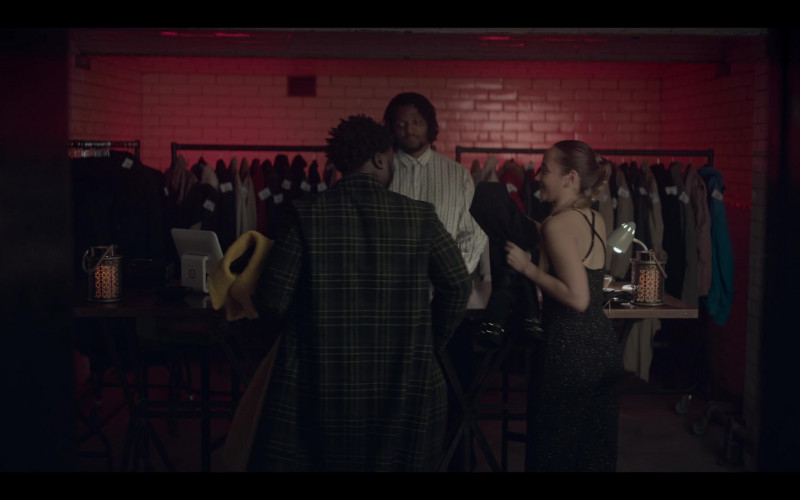 Square Point of Sale in The One S01E03 (2021)
