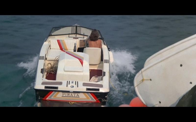 Supra Pirata Boat in Licence To Kill (1989)