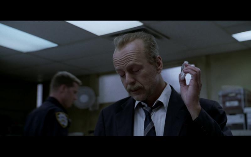 Tic Tac Held by Bruce Willis as Det. Jack Mosley in 16 Blocks (2006)