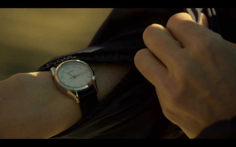 Timex Women's Watch in Mayans M.C. S03E02 The Orneriness of Kings (2021)