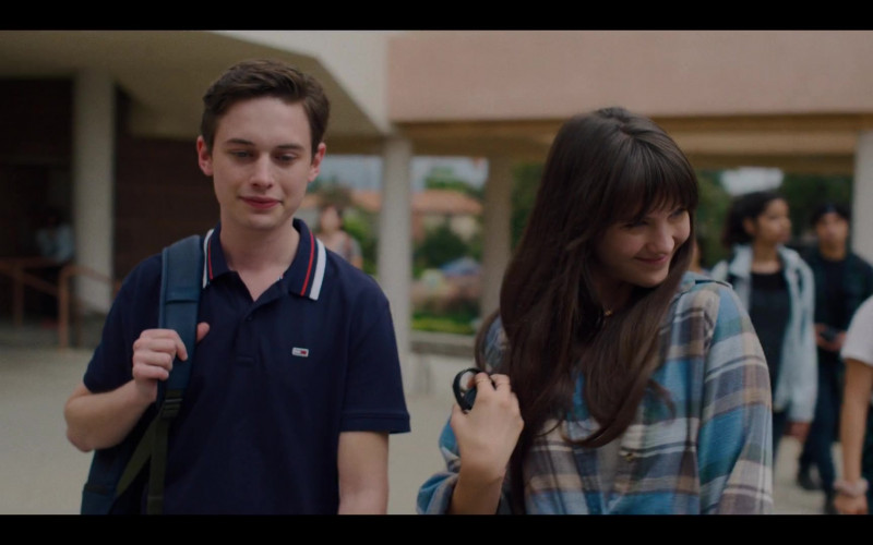 Tommy Hilfiger Polo Shirt of Uly Schlesinger as Nathan in Generation S01E01 Pilot (2021)
