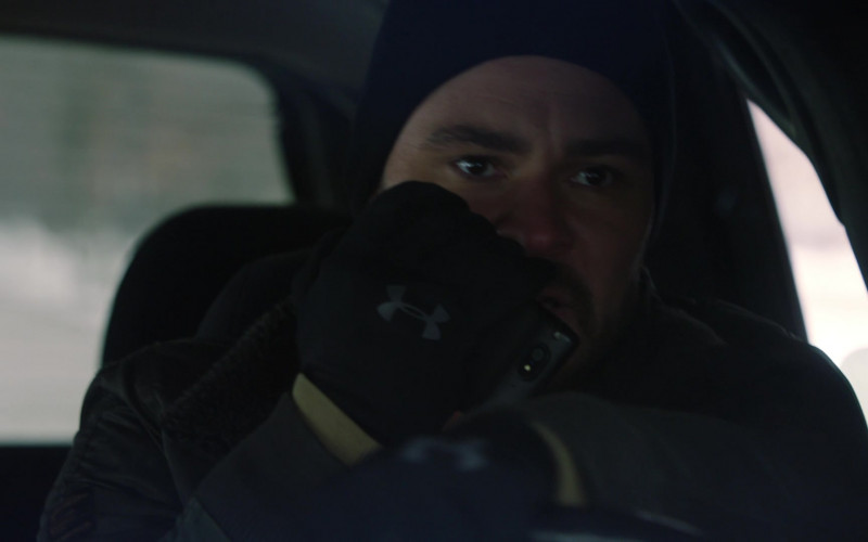 Under Armour Gloves of Patrick John Flueger as Officer Adam Ruzek in Chicago P.D. S08E08 (1)