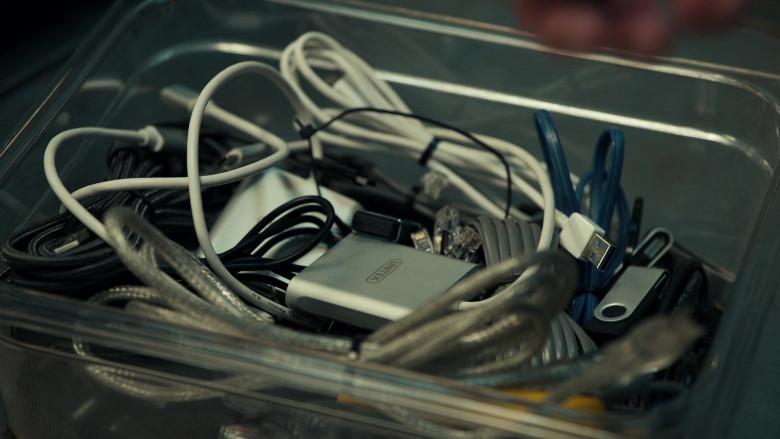 Unitek USB Hub in The Equalizer S01E04 It Takes a Village (2021)