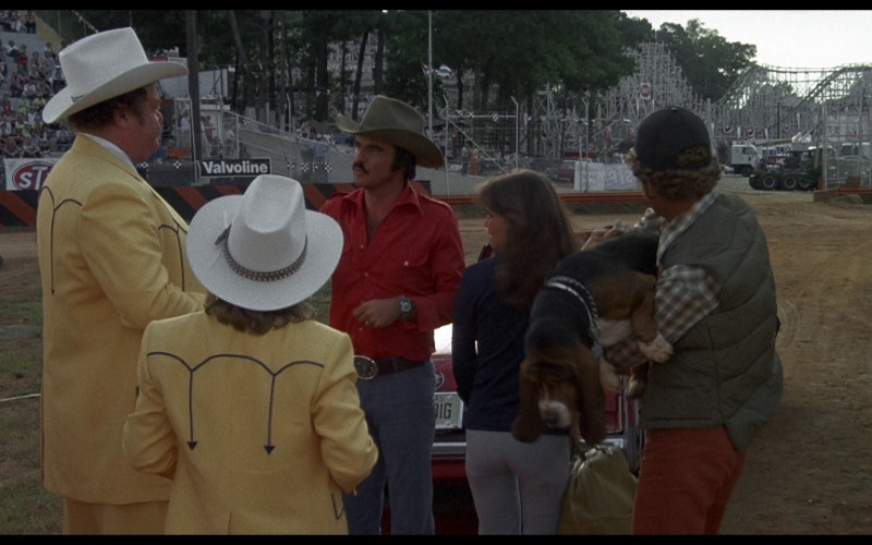 Valvoline Oil in Smokey and the Bandit (1977)