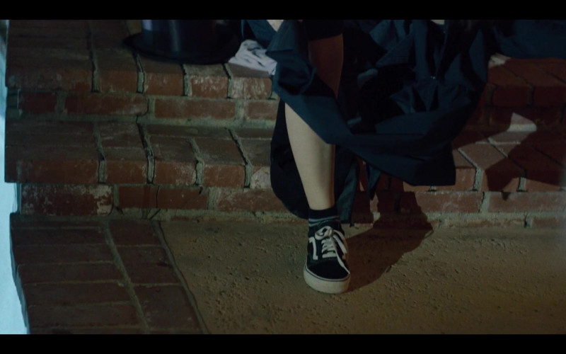 Vans Shoes in Generation S01E05 Gays and Confused (2021)
