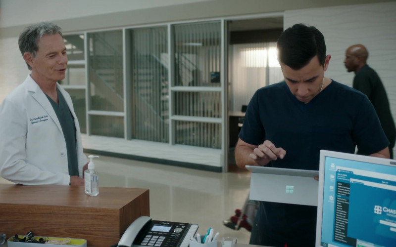 Vtech Phone and Microsoft Surface Tablet in The Resident S04E07 Hero Moments (2021)