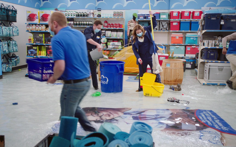 Yeti Coolers in Superstore S06E12 Customer Satisfaction (2021)