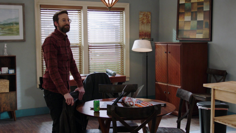Zapp's Potato Chips Enjoyed by Rob Kerkovich as Sebastian Lund in NCIS New Orleans S07E11 (2)