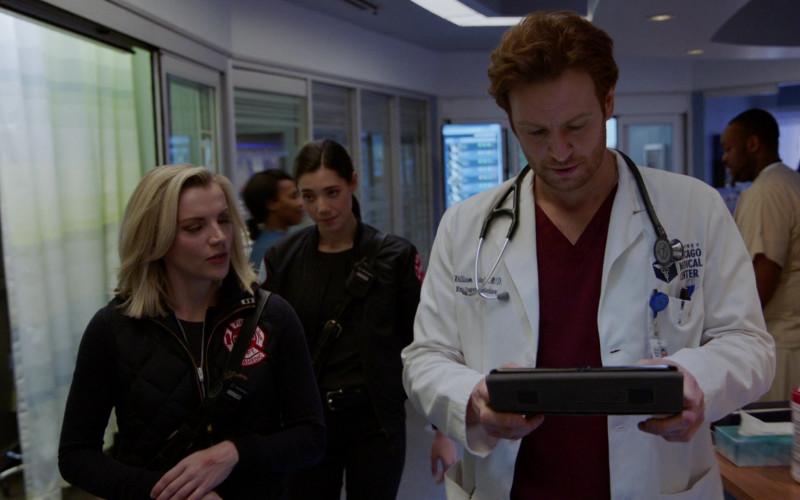3M Littmann Stethoscope in Chicago Fire S09E11 (1)