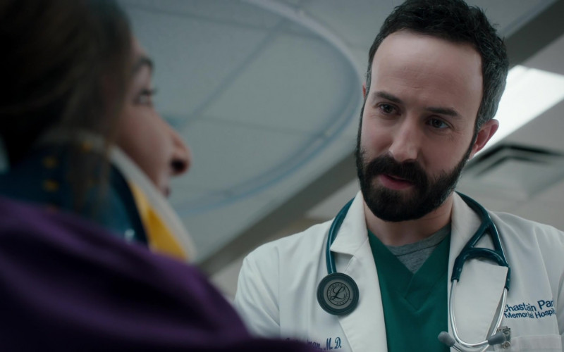 3M Littmann Stethoscope of Tasso Feldman as Irving Feldman in The Resident S04E09 (3)
