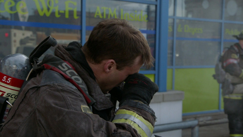3M Scott Air-Pak SCBA Used by Firefighters in Chicago Fire S09E10 TV Show 2021 (2)