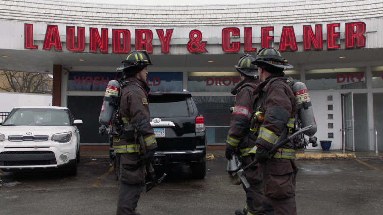 3M Scott Air-Pak SCBA Used by Firefighters in Chicago Fire S09E10 TV Show 2021 (3)