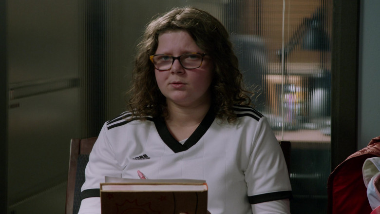 Adidas Girls T-Shirt in Chicago P.D. S08E11 Signs of Violence (2021)