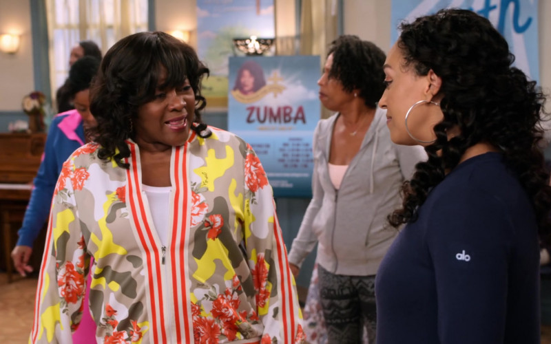 Alo Yoga Top of Tia Mowry as Cocoa McKellan in Family Reunion S03E08 Remember When Cocoa Found Her Calling (2021)