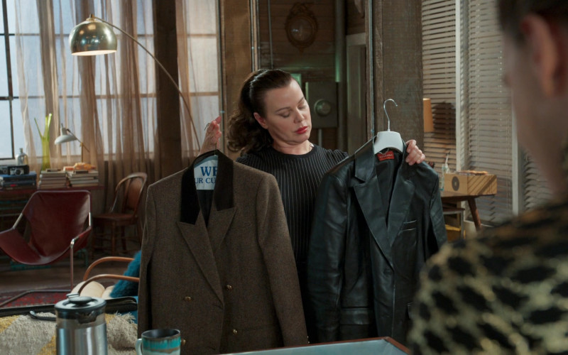 Altuzarra Leather Coat of Debi Mazar as Maggie Amato in Younger S07E06 (1)