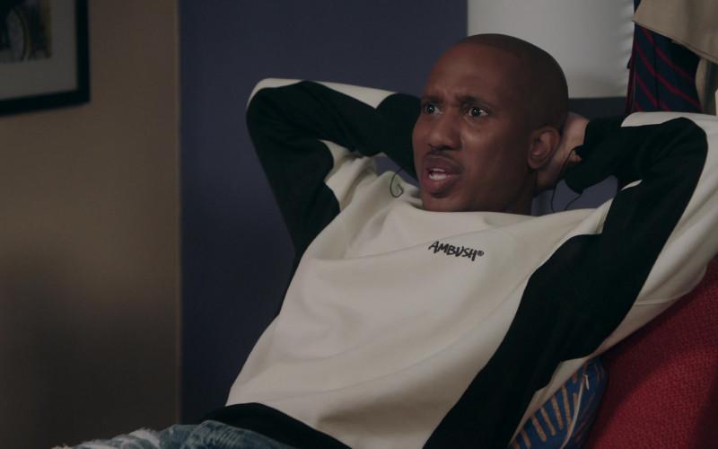 Ambush Sweatshirt of Chris Redd as Gary Williams in Kenan S01E09 Teacher's Strike (2021)
