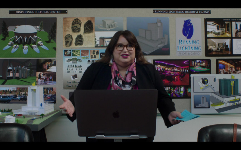 Apple MacBook Laptop Used by Jana Schmieding as Reagan Wells in Rutherford Falls S01E10 (1)