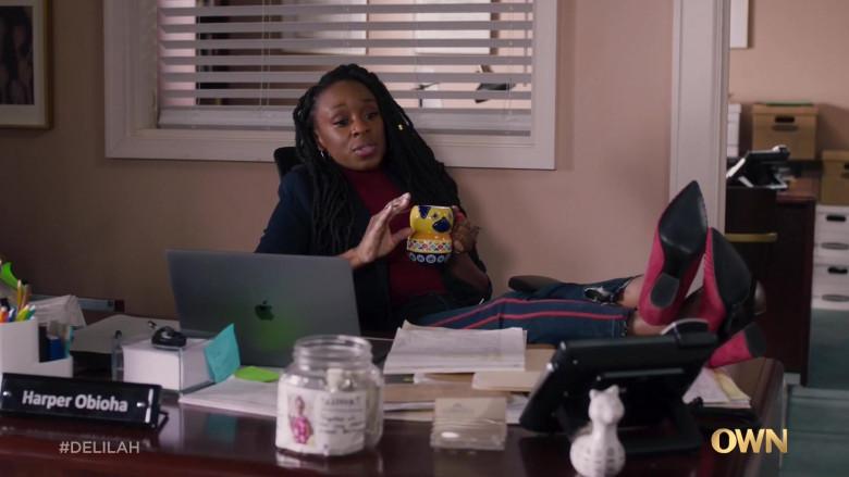 Apple MacBook Laptop Used by Ozioma Akagha as Harper Obioha in Delilah S01E08 The Long Game (2021)