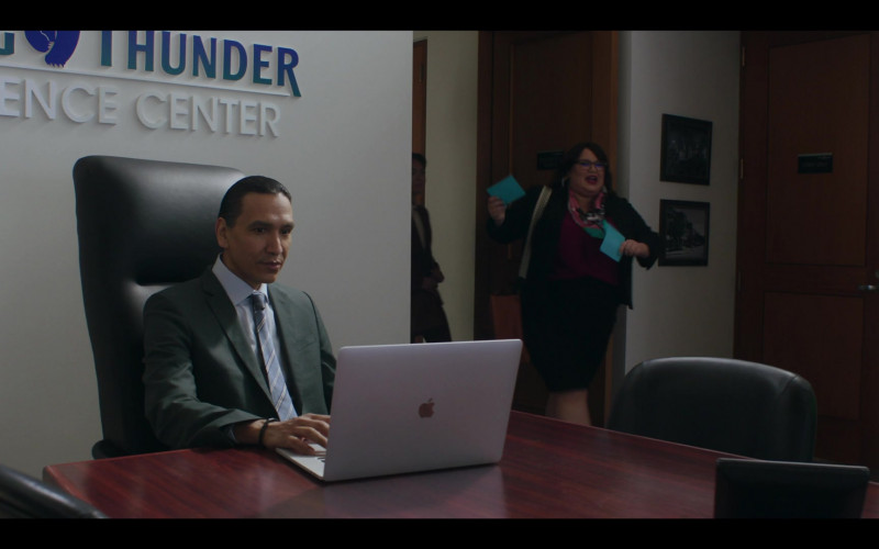 Apple MacBook Laptop of Michael Greyeyes as Terry Thomas in Rutherford Falls S01E10 D'Angelos (2021)