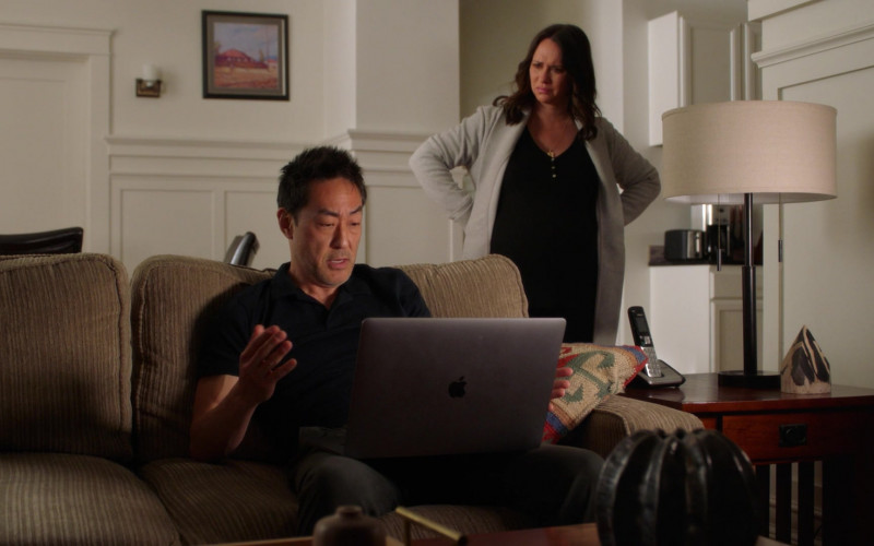 Apple MacBook Pro Laptop Used by Kenneth Choi as Howard 'Howie' – 'Chimney' Han in 9-1-1 S04E09 Blindsided (2021)