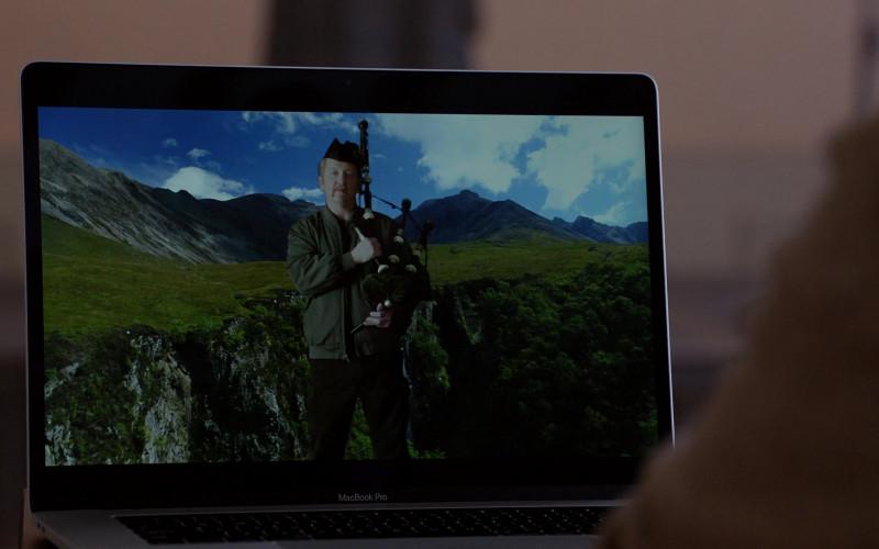 Apple MacBook Pro Laptop in Chicago Fire S09E10 TV Show (1)